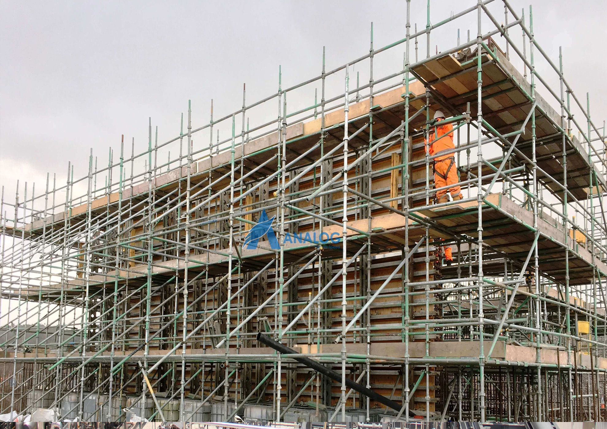 scaffolding for industrial repair and maintenance